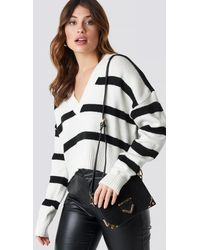 NA-KD Trend Pinstriped V-neck Knitted Sweater - Weiß