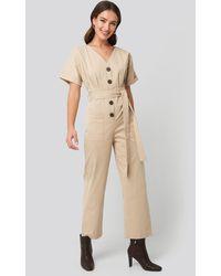 NA-KD Belted Button Up Jumpsuit - Neutre