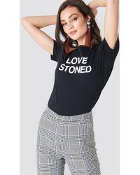 NA-KD - Love Stoned Tee Black - Lyst