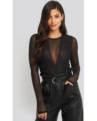 NA-KD Lace Mesh Sleeve Body - Zwart