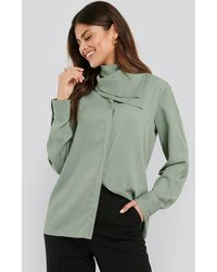 NA-KD Scarf Detailed Blouse - Groen