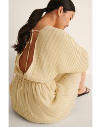 NA-KD Boho Mini-jurk Met V-hals En Plooitjes - Naturel