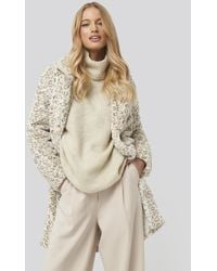 NA-KD Folded Sleeve Turtle Neck Knitted Sweater - Naturel