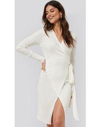 NA-KD Tie Front Knit Dress - Wit