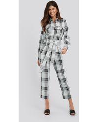 NA-KD Plaid Belted Suit Pants - Grijs