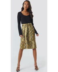 NA-KD Snake Printed Belted PU Skirt - Multicolore