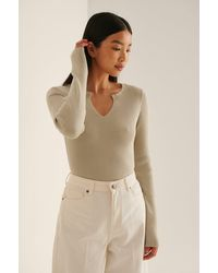 NA-KD Beige V-detail Light Rib Knitted Jumper - Natural