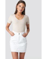 NA-KD Short Raw Hem Denim Skirt - Wit