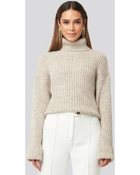 NA-KD Ribbed Knitted Turtleneck Sweater - Naturel