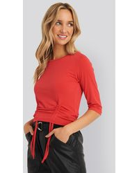 NA-KD Pull String Detail Tee - Rood