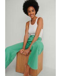 NA-KD Trend Organisch Farbige Weiche Steife Weite Jeanshose - Grün