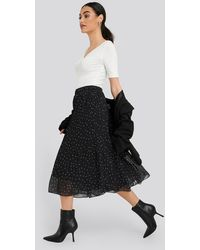 NA-KD Pleated Dotted Skirt - Zwart