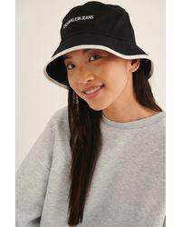 Calvin Klein Bucket Institutional Hat - Zwart