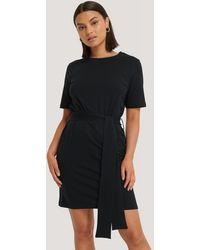 NA-KD Tie Waist T-shirt Dress - Noir