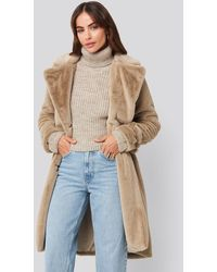 NA-KD Hannalicious x Double Breasted Belted Faux Fur Coat - Mehrfarbig