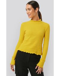 NA-KD Frill End Ribbed Polo Sweater - Geel