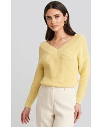 NA-KD V-Neck Wide Rib Knitted Sweater - Gelb