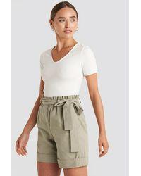 Trendyol Yol Belted Shorts - Groen