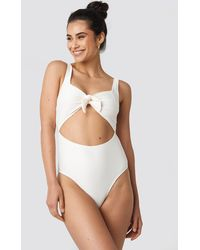 NA-KD Ribbed Cut Out Knot Swimsuit - Wit
