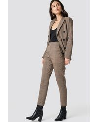 NA-KD Creased Checkered Suit Pants - Bruin
