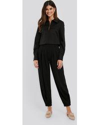 NA-KD Classic Cocoon Elastic Suit Pants - Schwarz