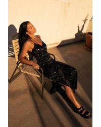 Nasty Gal Dressing Gown Midi En Satin À Col V Et Imprimé À Étoiles J'Me Prends Trop Pour Une Star - Noir