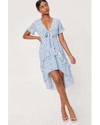 Nasty Gal Dressing Gown Asymétrique Volantée À Col V Et Imprimé Fleuri - Bleu