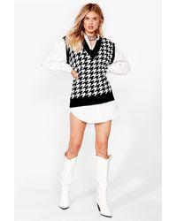 Nasty Gal Houndstooth V Neck Knitted Vest Top - Black