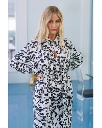 "Nasty Gal "" Just Cow We Like It Oversized Button-down Shirt"" - White"