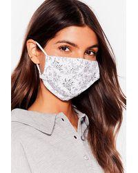 Nasty Gal Lot De 2 Masques Faciaux Fashion Uni & Imprimé Fleuri - Bleu