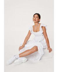 Nasty Gal Dressing Gown Longue En Broderie Anglaise À Smocks Et Détails Volantés - Blanc