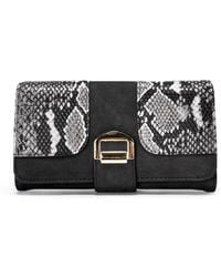Nasty Gal Want Pay It Forward Vegan Leather Wallet - Black