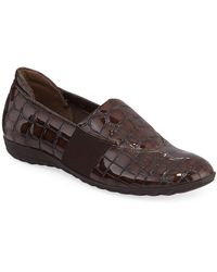 Sesto Meucci Bria Croc-embossed Leather Athleisure Flats - Brown