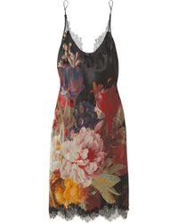 Carine Gilson - Chantilly Lace-trimmed Floral-print Silk-satin Chemise - Lyst