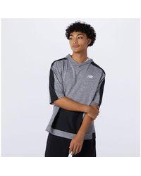 New Balance Hombre Tenacity Lightweight Knit Short Sleeve Hoodie - Gris