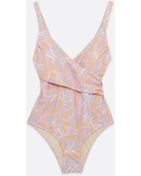 Vero Moda Curves Floral Wrap Swimsuit New Look - Pink