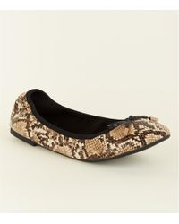 New Look - Wide Fit Faux Snakeskin Bow Front Elasticated Ballet Court Shoes - Lyst