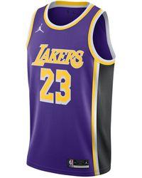 Nike LeBron James Lakers Statement Edition 2020 Jordan NBA Swingman Trikot - Lila