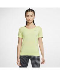 Nike Top da running a manica corta Infinite - Verde