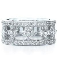 Kwiat - 'jasmine' Floral White Gold & Diamond Ring - Lyst