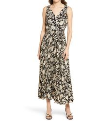 Chelsea28 Floral Surplice Sleeveless Dress - Black