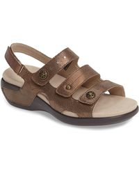 Aravon Pc Wedge Sandal - Brown
