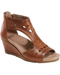 Earth Earth Barbuda Wedge Sandal - Brown