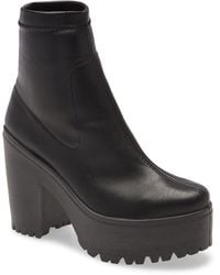 TOPSHOP Wide Fit Bochunky High Sock Boots - Black