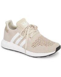 Adidas BNY única serie: Samba Lyst zapatilla de cuero en blanco