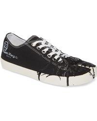 Maison Margiela Tabi Paint Splattered Canvas Low Top Sneakers - Black
