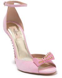 Valentino Valentino Garavani Studded Bow Sandal - Pink