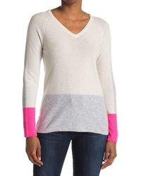 Kinross Cashmere Colorblock Cashmere V-neck Sweater - Gray
