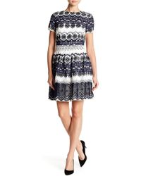 Monique Lhuillier - Embroidered Short Sleeve Lace Dress - Lyst