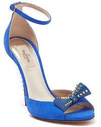 Valentino Valentino Garavani Studded Bow Sandal - Blue